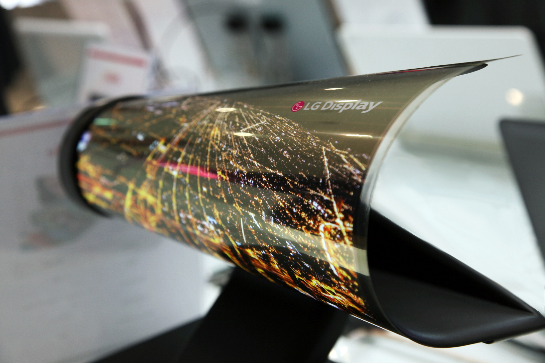 LG 18 inch rollable screen (press pic)