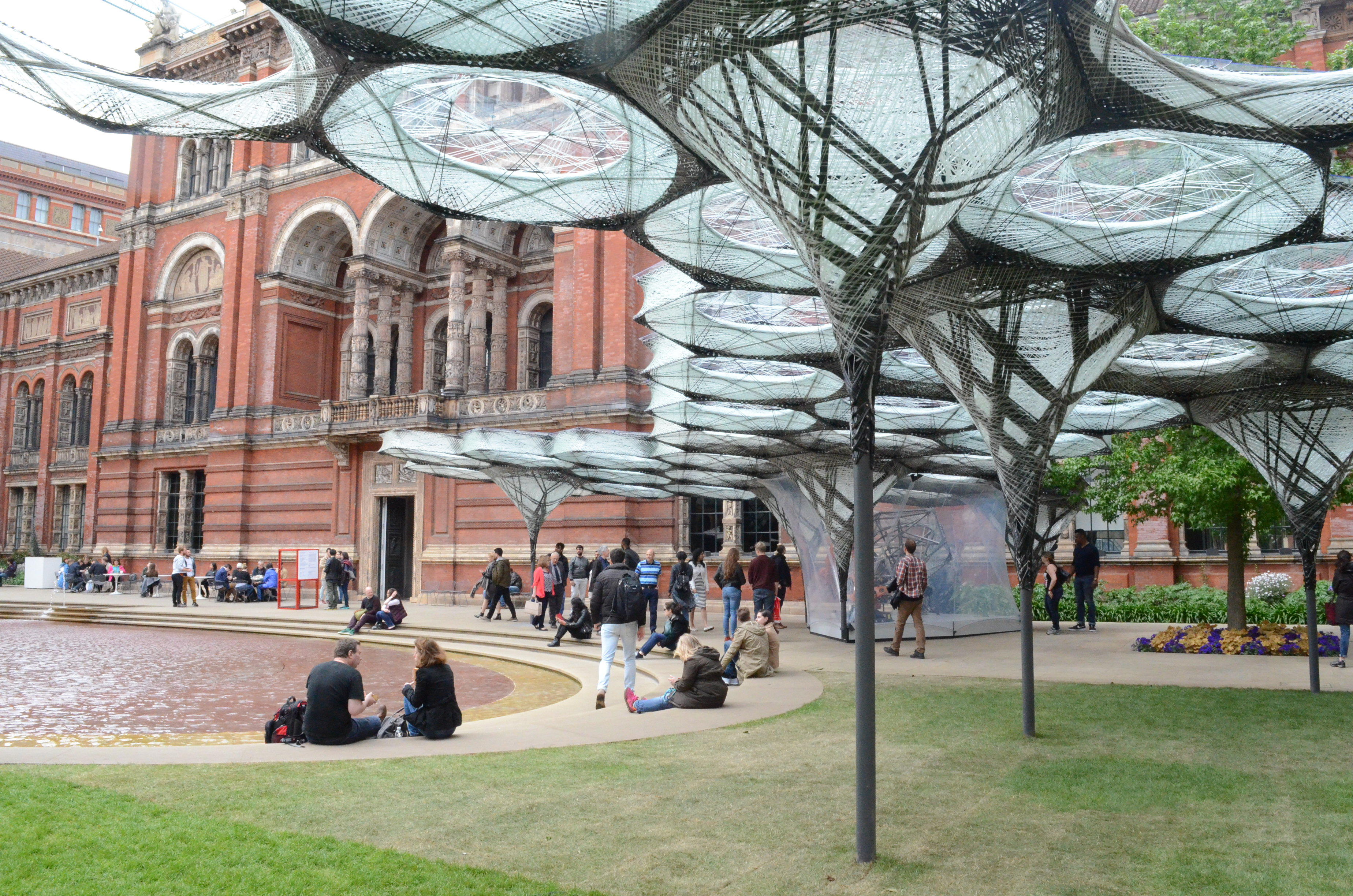 Made by robots the elytra filament pavilion create the for Espace stand