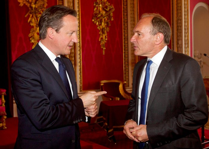 David Cameron talks to Sir Tim Berners Lee