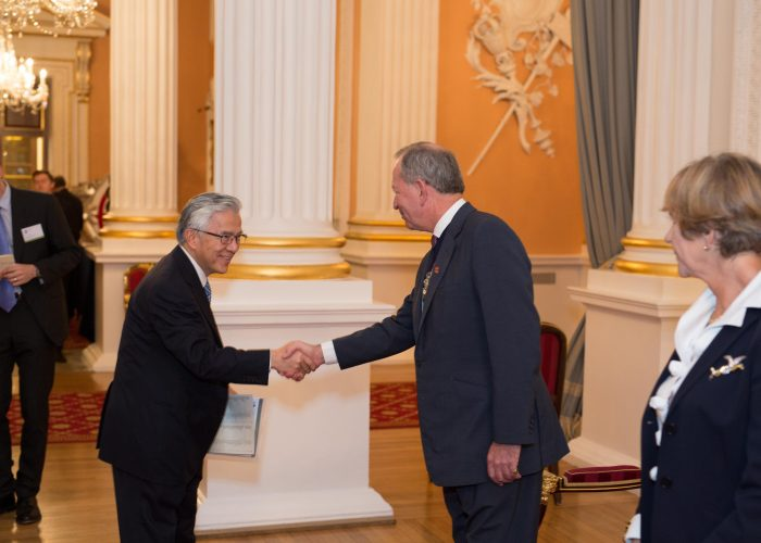 Dr Choon Fong Shih meets the Lord Mayor of the City of London on the 2015 QE Prize Presentation day
