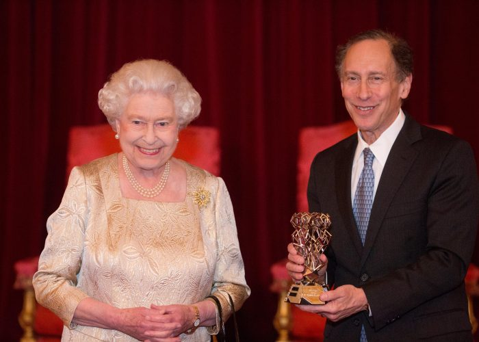 HM The Queen and Dr Robert Langer at the 2015 QEPrize Presentation