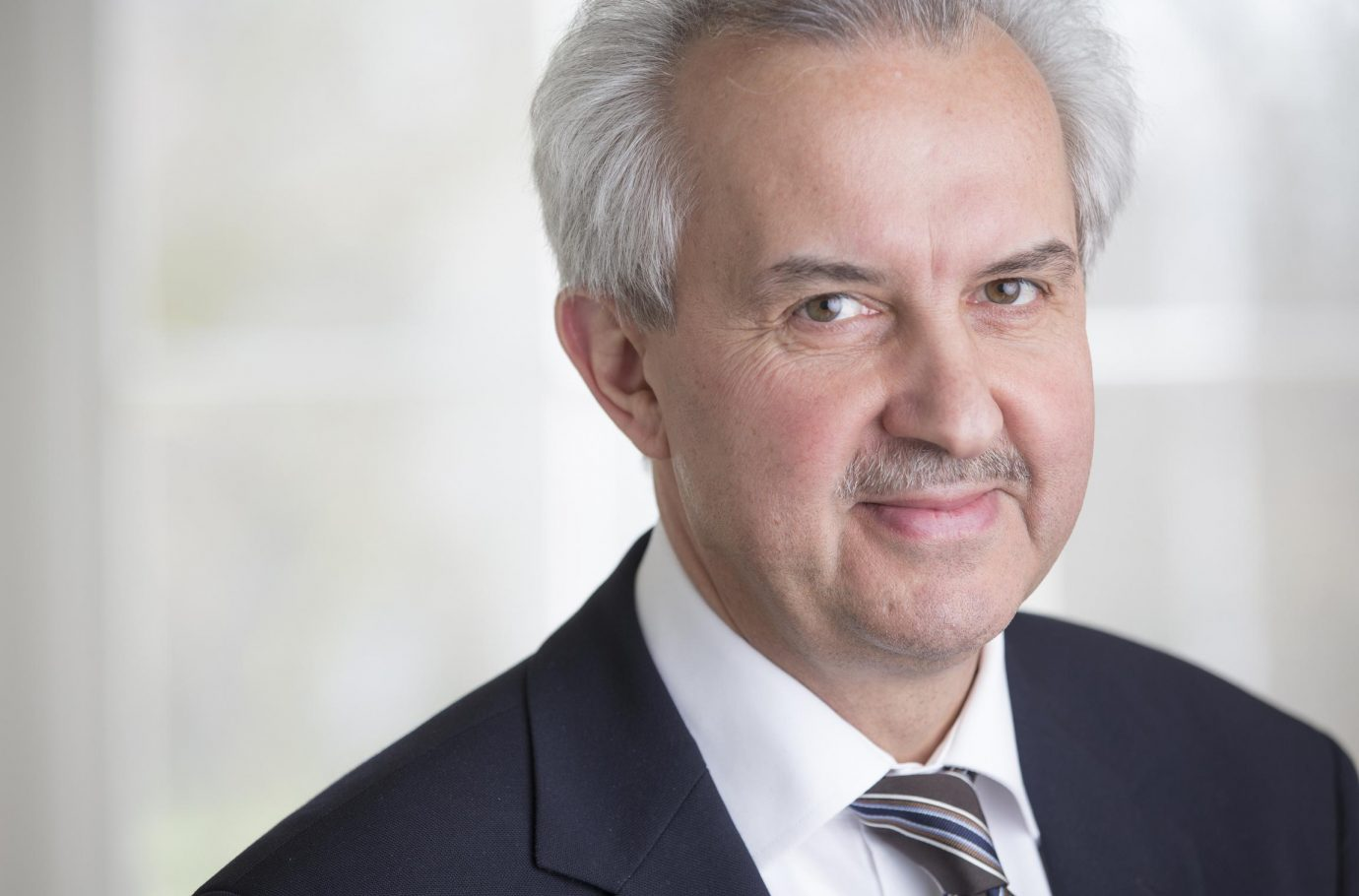Reinhard Huettl