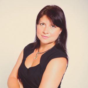 Polina Z Headshot